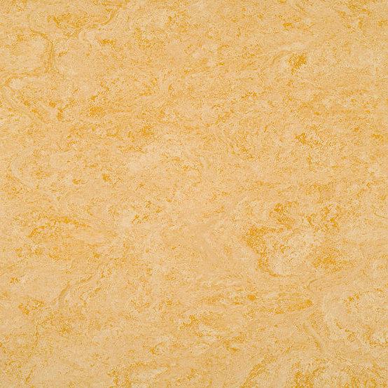 1076 Pale Yellow